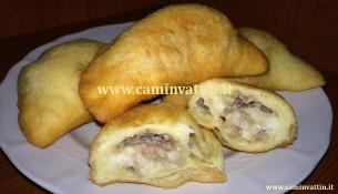 panzerotti baresi di carne e mozzarella ricetta