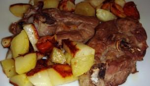 agnello con patate al forno ricetta di pasqua barese - foto bari - camin vattin
