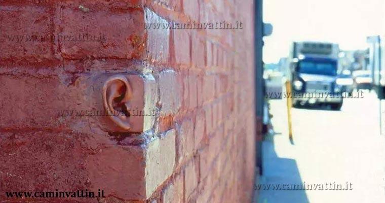 anche-i-muri-hanno-le-orecchie