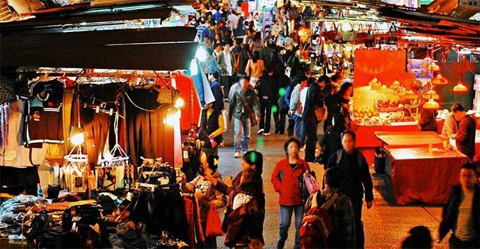 mercati serali bari