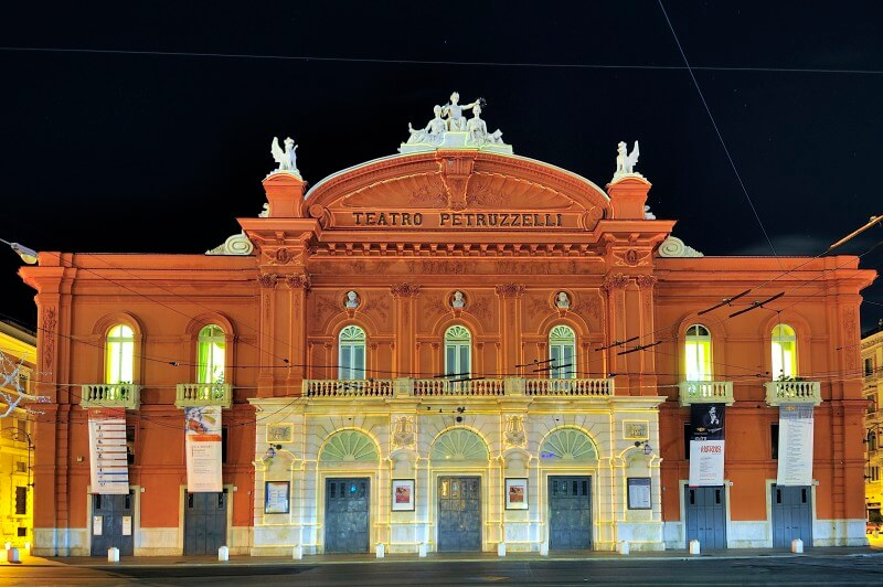 teatro petruzzelli