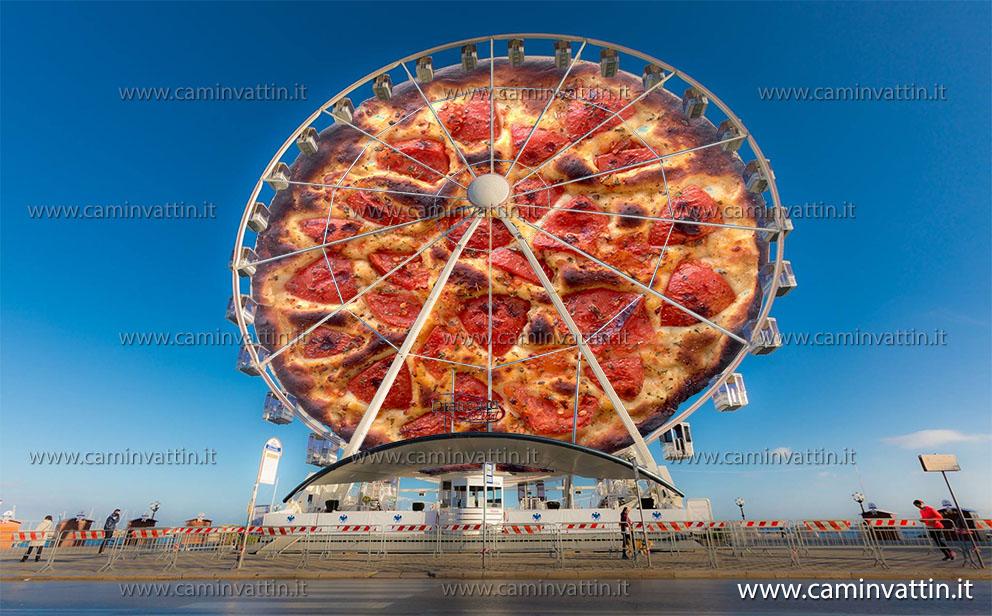 La ruota panoramica sul lungomare di Bari