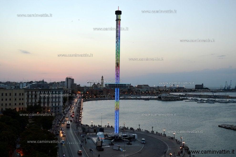 La torre panoramica arriva sul lungomare di bari camin for Nuova apertura grande arredo bari