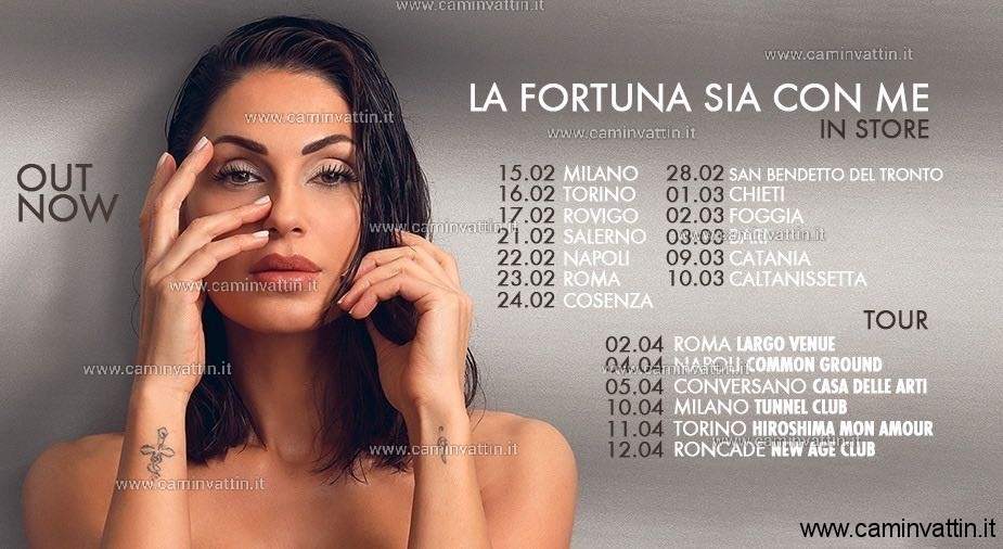 Calendario Tatangelo.Anna Tatangelo A Bari Santa Caterina Incontra I Fan E
