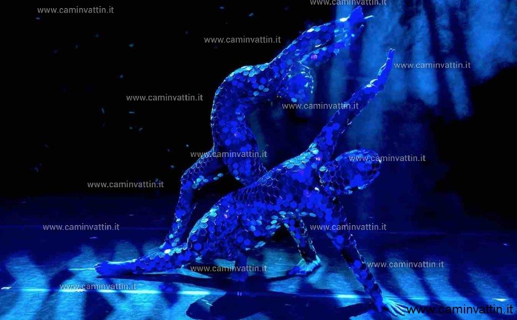 Evolution Dance Theatre blu infinito